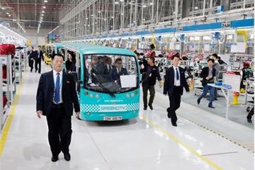 Phái đoàn Triều Tiên của Chủ tịch Kim Jong-Un đã đến thăm Tổ hợp nhà máy VinFast của tỷ phú Phạm Nhật Vượng