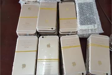 52 chiếc iPhone nhập lậu giấu trên trần xe Ford Transit