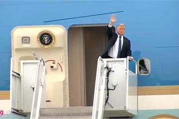 Tổng thống Trump lên Air Force One rời Nội Bài