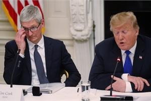 Nhớ tên siêu tệ, ông Trump gọi Tim Cook là 'Tim Apple'