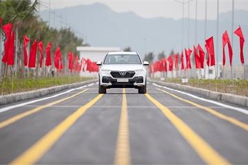 SUV VinFast Lux SA 2.0 đầu tiên đã lăn bánh thử nghiệm tại Việt Nam