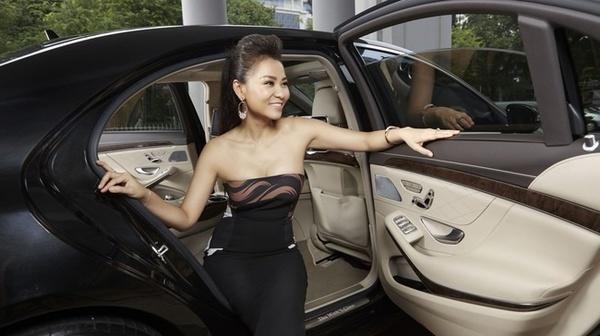Những mỹ nhân Việt nổi tiếng chơi xe sang chục tỷ