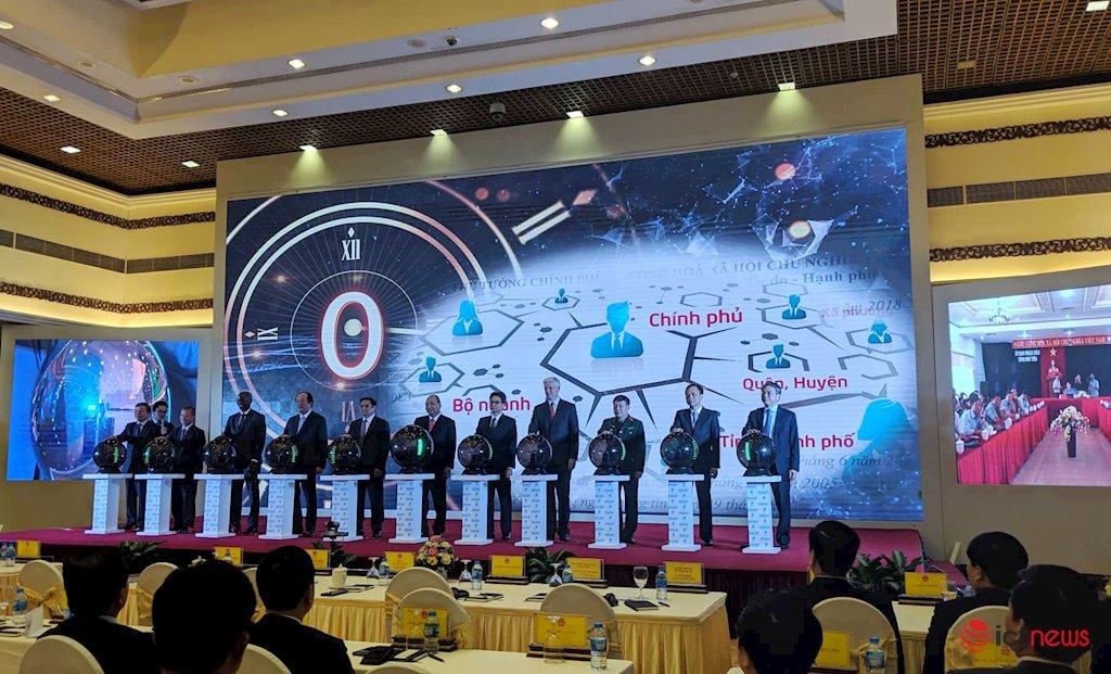 Thủ tướng bấm nút khai trương Trục liên thông văn bản quốc gia | Chính thức khai trương Trục liên thông văn bản quốc gia | Trục liên thông văn bản quốc gia giúp Việt Nam tiết kiệm 1.200 tỷ đồng mỗi năm