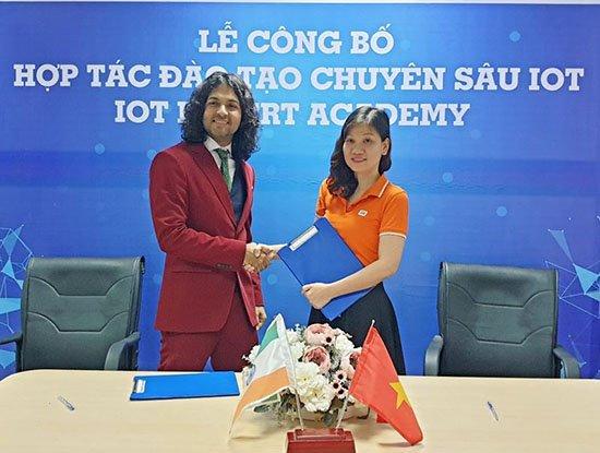 FPT ra mắt Học viện IoT đầu tiên tại Việt Nam | FPT hợp tác cùng Jetking Ấn Độ đào tạo chuyên sâu về IoT tại Việt Nam