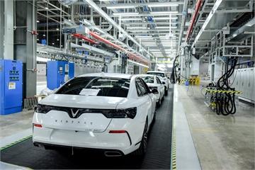 VinFast đưa 2 mẫu ô tô Lux đi thử nghiệm độ an toàn tại 14 quốc gia