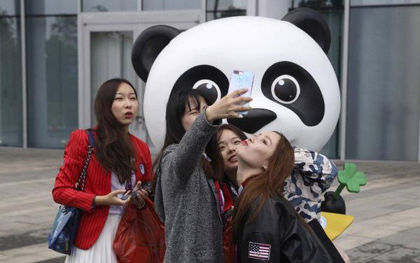 Trung Quốc vừa có một ứng dụng chấm điểm gần nửa tỷ thanh niên nước nhà: Điểm cao được ưu đãi từ việc làm, nhà ở, hẹn hò và thậm chí cả kết hôn