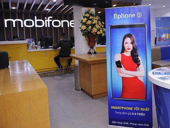 Lần đầu tiên tại Việt Nam thuê bao di động có thể sở hữu smartphone chỉ với 1.000 đồng | Thuê bao MobiFone có cơ hội sở hữu smartphone Bphone 3 chỉ với 1.000 đồng | MobiFone trợ giá mua smartphone Bphone 3