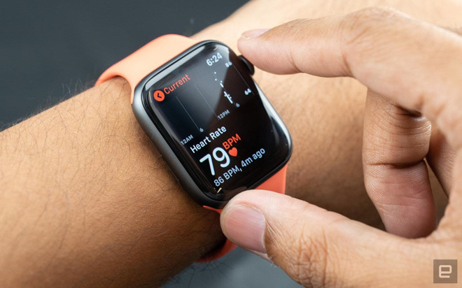Them mot nguoi duoc Apple Watch cuu mang hinh anh 1
