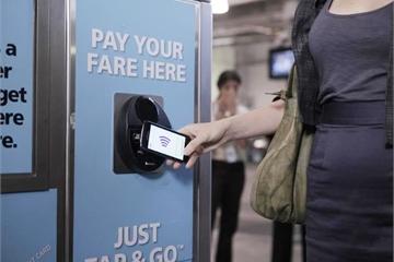 Thanh toán tiền mặt khiến người dân thấy nản khi sử dụng phương tiện công cộng