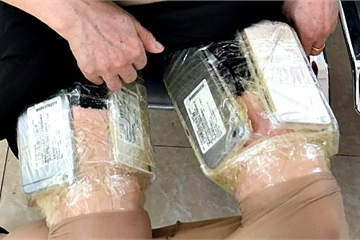 Phát hiện thủ đoạn buôn lậu điện thoại mới từ Trung Quốc vào Việt Nam