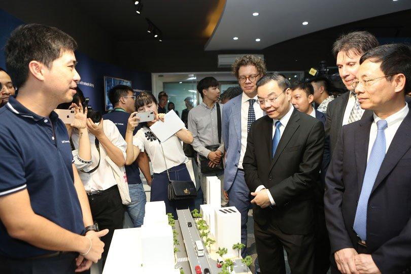 Ericsson: Với nền tảng IoT, các bạn trẻ tạo ra những Google, Amazon của Việt Nam | Ericsson: Dựa trên nền tảng IoT, các bạn trẻ Việt Nam sẽ là những người tạo ra việc làm
