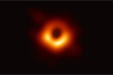 Ra mắt chưa tới một ngày, hố đen vũ trụ đã thành 'nạn nhân' ảnh chế