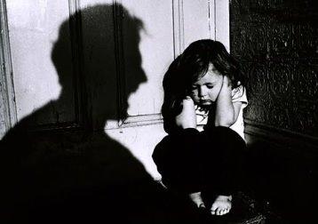 """Dân mạng bức xúc vì vụ dâm ô với trẻ em có nguy cơ """"chìm xuồng"""""""