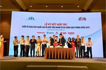 Các nhà sản xuất xe máy VAMM và Ủy ban ATGT nghiên cứu thực trạng đào tạo, cấp giấy phép lái xe tại Việt Nam