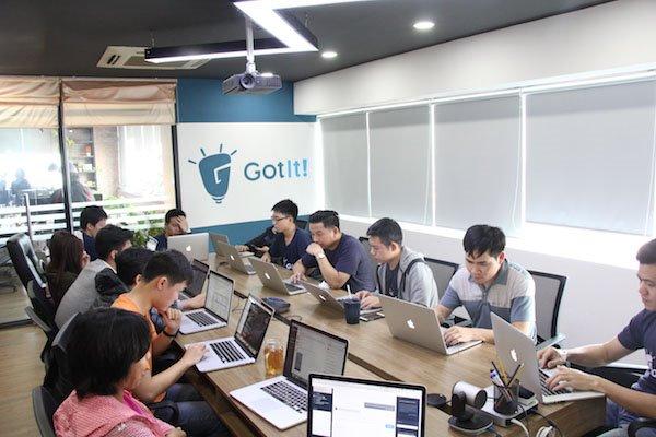 Đề xuất xây dựng năng lực AI của Việt Nam đứng vào Top 10 thế giới | Chủ tịch VINASA: Cần lấy AI làm trọng tâm cho cuộc cách mạng công nghiệp 4.0 của Việt Nam | Nhu cầu về kỹ sư AI tại Việt Nam đang ở mức báo động