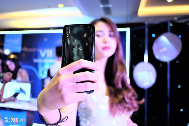 Loat smartphone giam gia manh cuoi thang 4 hinh anh 6