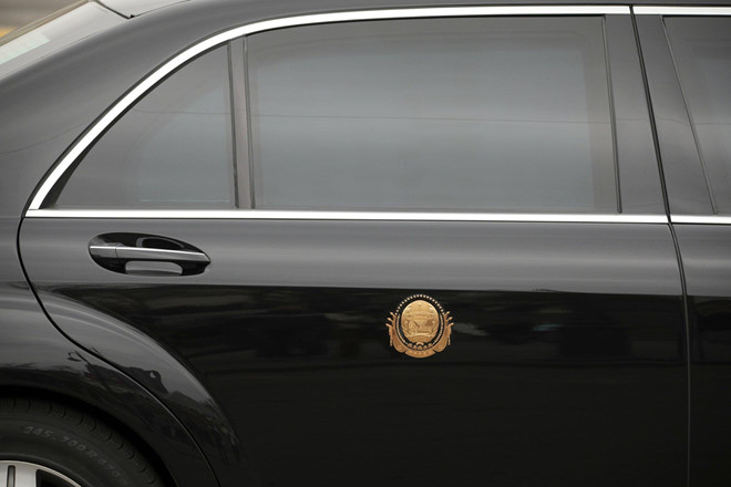 Bi an cach Trieu Tien sam sieu xe Maybach S600 cho ong Kim Jong Un hinh anh 2