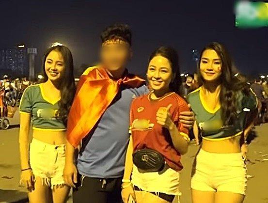 YouTube xuất hiện clip Khá Bảnh, hotgirl T.A quảng cáo cho trang cờ bạc Fxx88.com