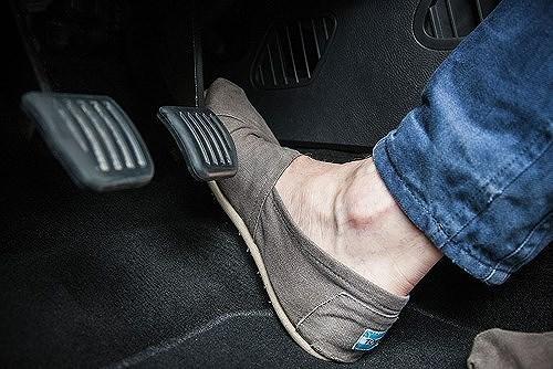 Bài học xương máu từ những pha đạp nhầm chân ga gây tai nạn kinh hoàng