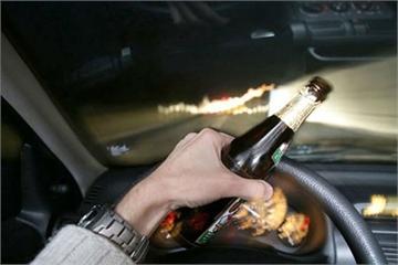 """""""Án phạt"""" của các nước dành cho lái xe uống rượu bia"""