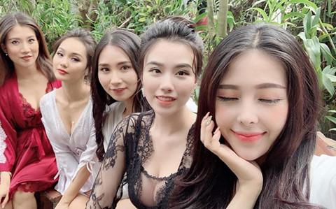 Web drama tran ngap canh khoe than va nhung hot girl tai tieng hinh anh 2