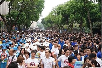 """Hàng nghìn người dân Thủ đô đi bộ kêu gọi hành động """"Đã uống rượu bia - Không lái xe"""""""