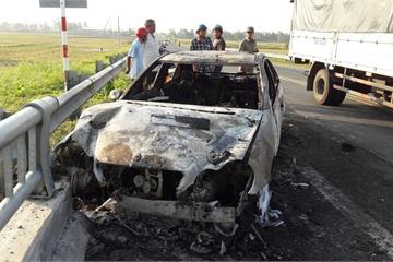 Những vụ xe sang tiền tỷ bốc cháy dữ dội gây hoang mang