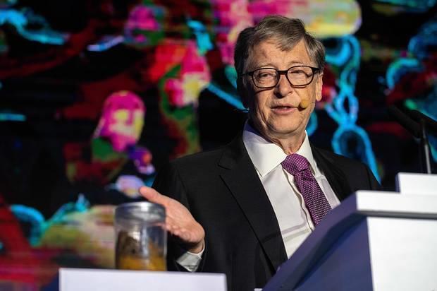 Trong 100 phut, Bill Gates kiem tien bang nguoi khac cat luc ca doi hinh anh 11
