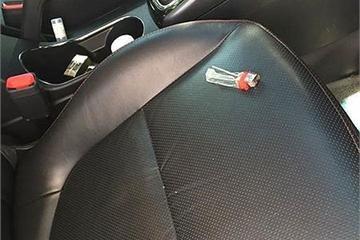 """Những vật dụng """"chết người"""" gây nổ trong ô tô dưới trời 40 độ"""
