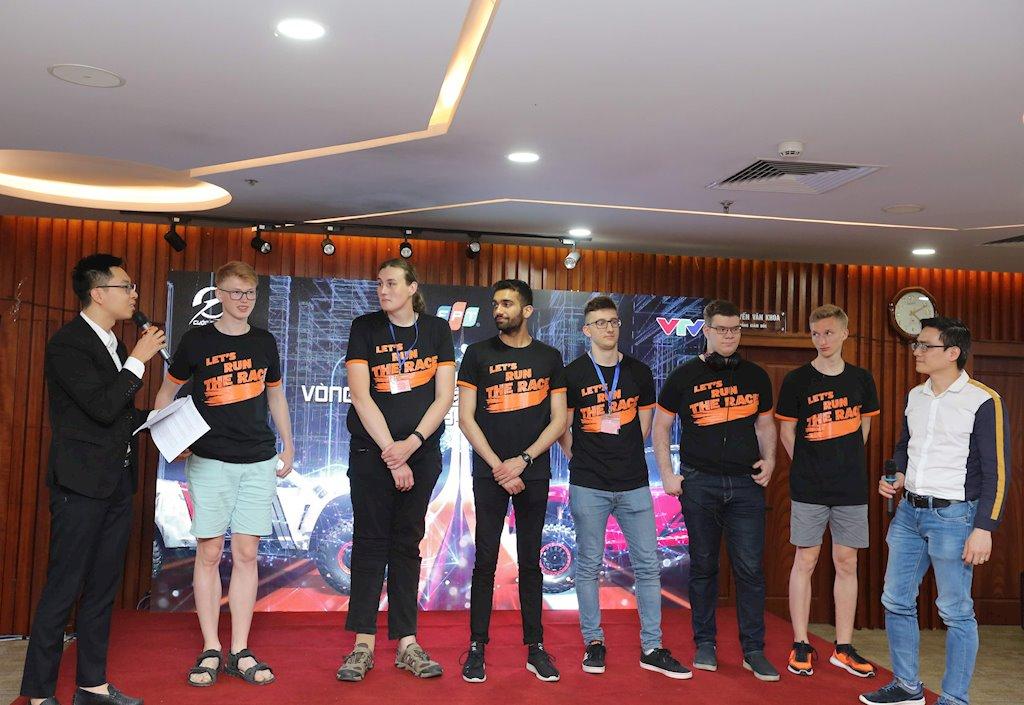 Sắp diễn ra chung kết cuộc đua xe tự hành quốc tế tại Việt Nam | Sinh viên Việt Nam đua tài cùng sinh viên Anh, Nga trong chung kết cuộc đua xe tự hành mùa thứ ba