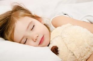 Cách để công nghệ không ảnh hưởng giấc ngủ của trẻ