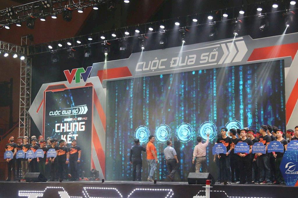 Sinh viên Học viện Kỹ thuật Quân sự giành ngôi Vô địch cuộc đua số mùa thứ ba | Sinh viên Học viện Kỹ thuật Quân sự lần thứ hai giành ngôi Vô địch Cuộc đua số | Sinh viên 9 trường đại học Việt Nam, Anh, Nga đua tài tại Chung kết Cuộc đua số 2018-2019