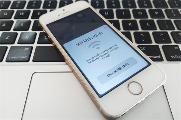 Cách chia sẻ mật khẩu Wi-Fi giữa iPhone, iPad không làm lộ password