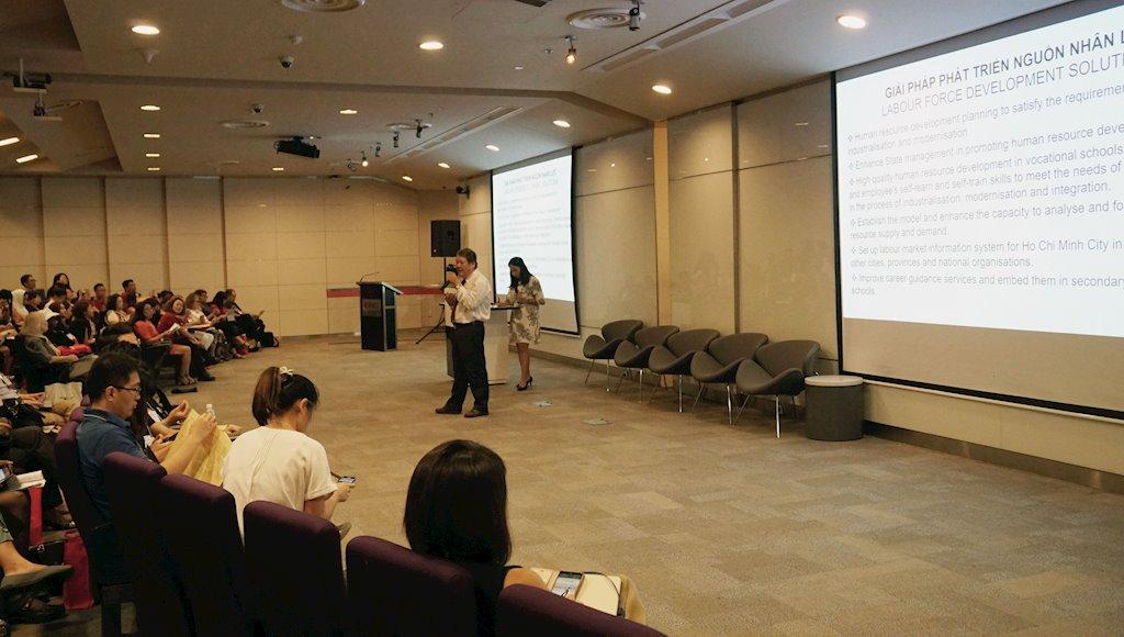"""CNTT là một trong những nhóm ngành được dự đoán sẽ có nhu cầu cao   """"Định hướng phát triển nghề nghiệp trong thời đại 4.0""""   RMIT đem hội thảo hướng nghiệp quốc tế về Việt Nam"""