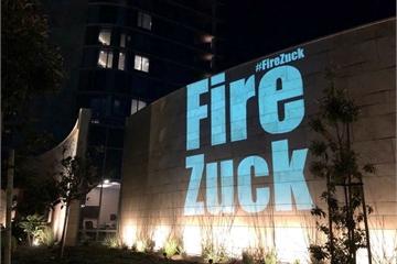 Thông điệp yêu cầu CEO Facebook từ chức được chiếu tại hội nghị cổ đông