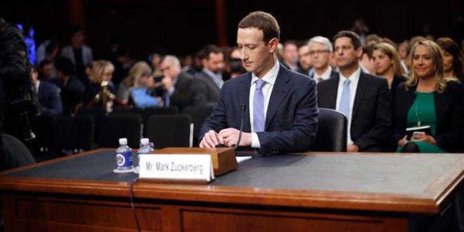Tru khi tu nguyen, khong ai co the loai Mark Zuckerberg khoi Facebook hinh anh 1