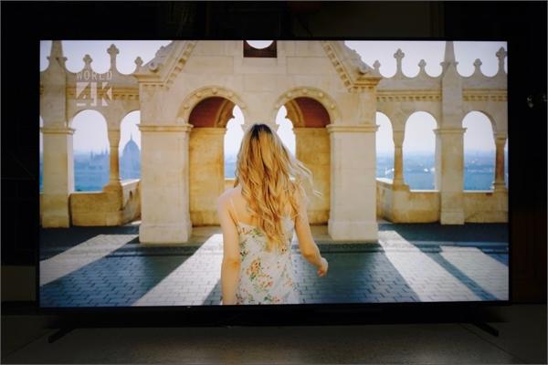 TV QLED 2019: TV như khung cửa nhìn ra thế giới