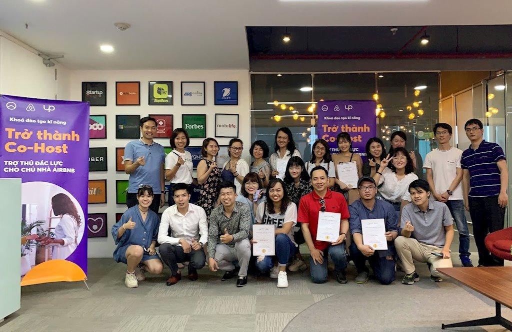 Cựu kỹ sư phần mềm Google về Việt Nam khởi nghiệp với trợ lý ảo cho người đi du lịch Cohost.ai |Trợ lý ảo cho người đi du lịch Cohost.ai của cựu kỹ sư Google sẽ ra mắt cuối năm nay
