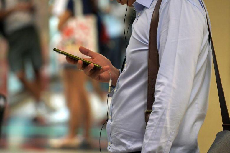 Malaysia cấm điện thoại, thiết bị số trong các cuộc họp chính phủ