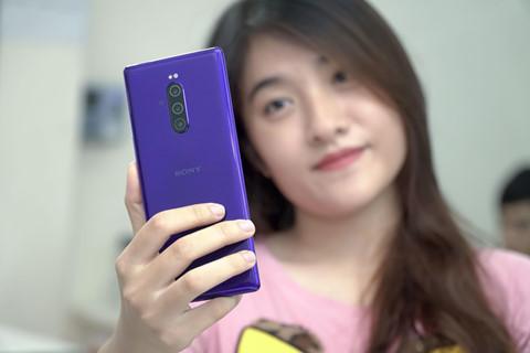 Những mẫu smartphone thú vị nhưng khó mua ở Việt Nam