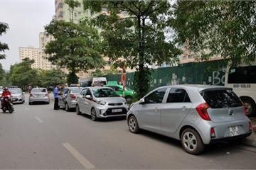 Long đong phận đời tài xế 'taxi công nghệ'