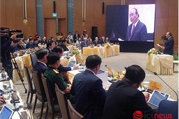 Hệ thống E-Cabinet chính thức hoạt động từ hôm nay, các thành viên Chính phủ thảo luận, biểu quyết qua iPad