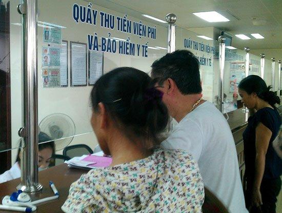 Bộ Y tế yêu cầu các bệnh viện triển khai thu viện phí bằng phương thức không dùng tiền mặt