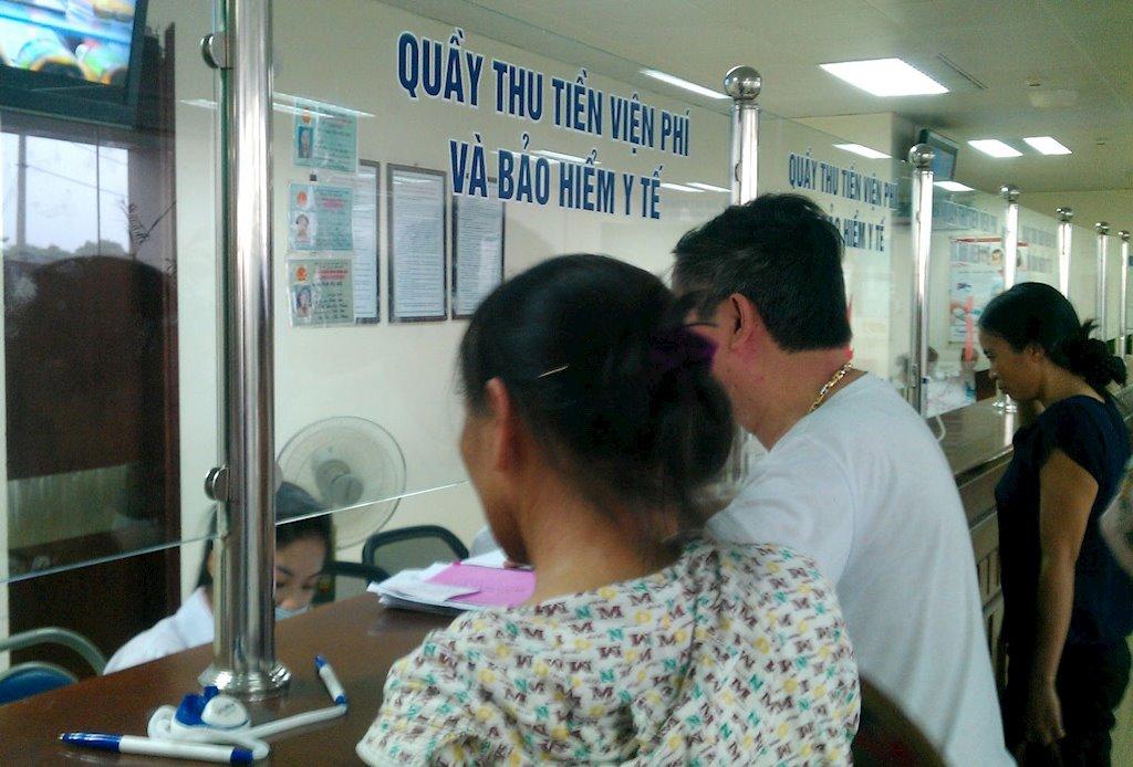 Thanh toán viện phí, học phí bằng phương thức điện tử | Bộ Y tế yêu cầu các bệnh viện triển khai thu viện phí bằng phương thức không dùng tiền mặt