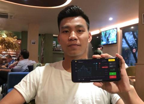 Van Thanh U23 Viet Nam, Kha Banh quang cao cho co bac Binomo hinh anh 1