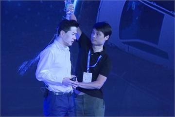 Người đổ nước lên đầu CEO Baidu bị bắt giam 5 ngày