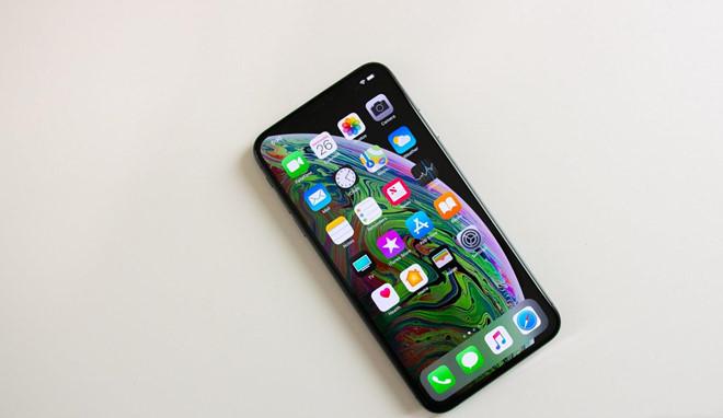 Truoc vai thang, YouTuber da khoe 'dap hop iPhone 11 Max' hinh anh 8