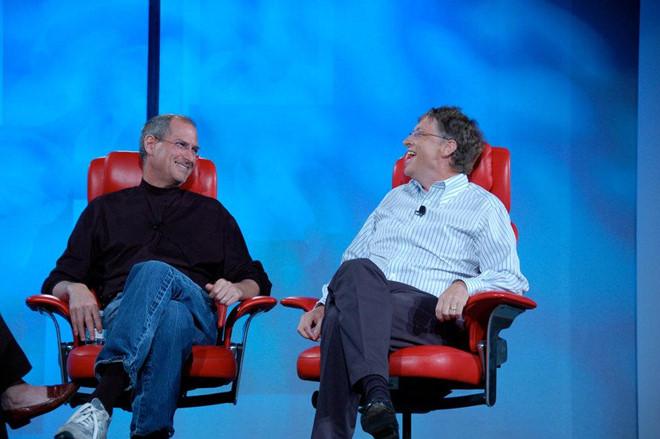 Bill Gates: 'Steve Jobs luon co bua chu de cuu Apple' hinh anh 2