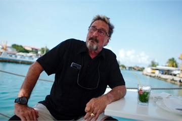 Đang bị truy nã vì tội trốn thuế, John McAfee vẫn mạnh miệng tuyên bố sẽ giúp Cuba thoát cấm vận của Mỹ nhờ tiền mã hóa