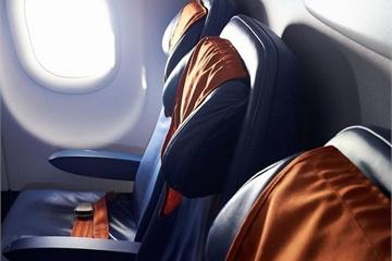 Bất ngờ với những đồ dùng nhiều vi khuẩn nhất trên máy bay
